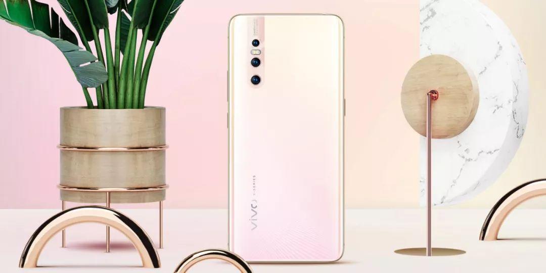 华为大副20 X荣获首个5G终端电信设备网络接入许可
