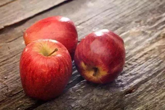 这世界上应该没什么人不爱苹果吧