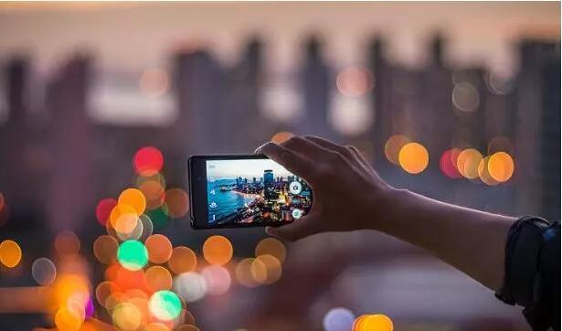 股价跳水、变现受阻,美图做中国下一个Instagram有戏吗?