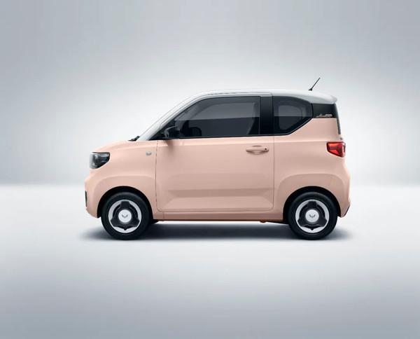 洪光迷你电动车的新鲜配色在新的春天的一天在杏仁饼看起来更可爱!