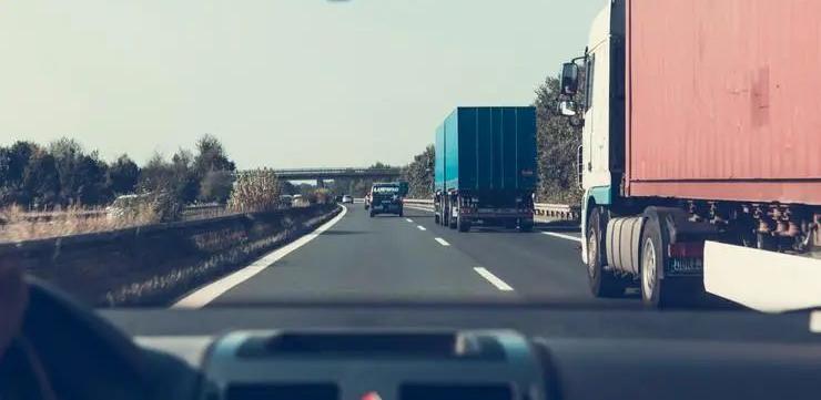 迈出第一步:英国宣布允许自动驾驶汽车在公开道路行驶
