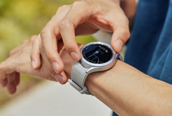 外媒:三星正在研发智能手表产品的太阳能表带!